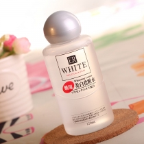 日本DAISO大创美白化妆水120ml